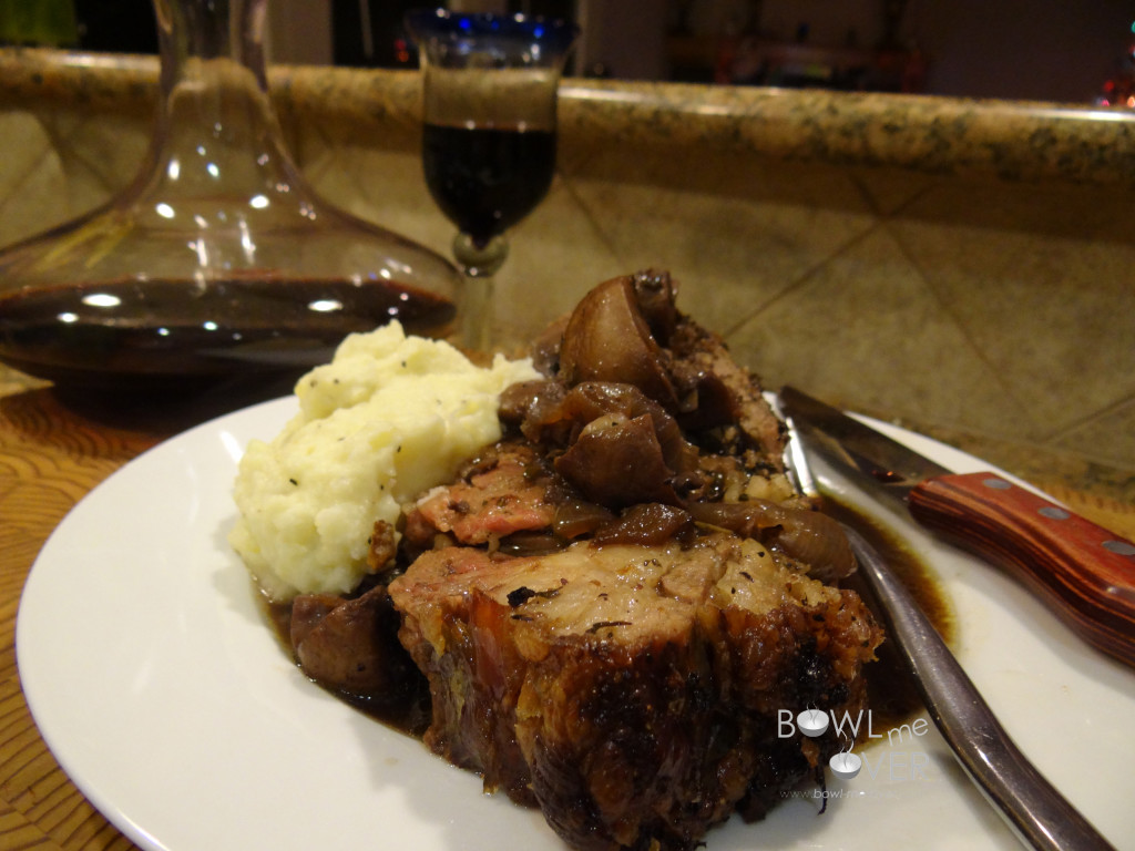 Time for dinner; prime rib with cauliflower mashed potatoes and mushrooms, yum!