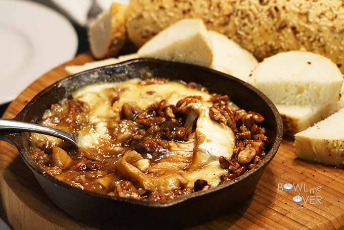 3 Ingredient Baked Brie - So simple, but so easy this appetizer is a real crowd pleaser! #BakedBrie #BowlMeOver #EasyAppetizer