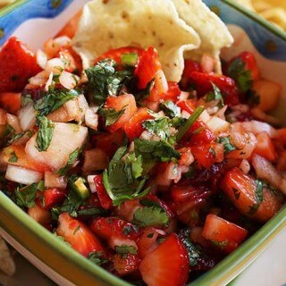 Sweet n Spicy Strawberry Salsa