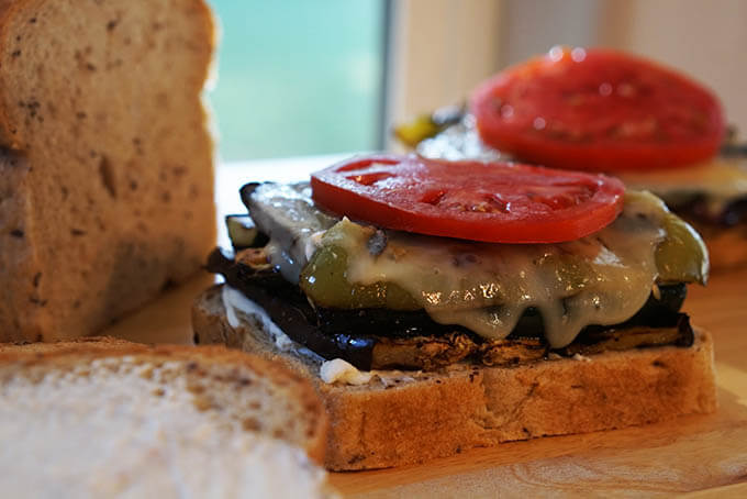 Building_Grilled Vegetable_Sandwich