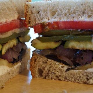Grilled Vegetable Sandwich #MeatlessMonday