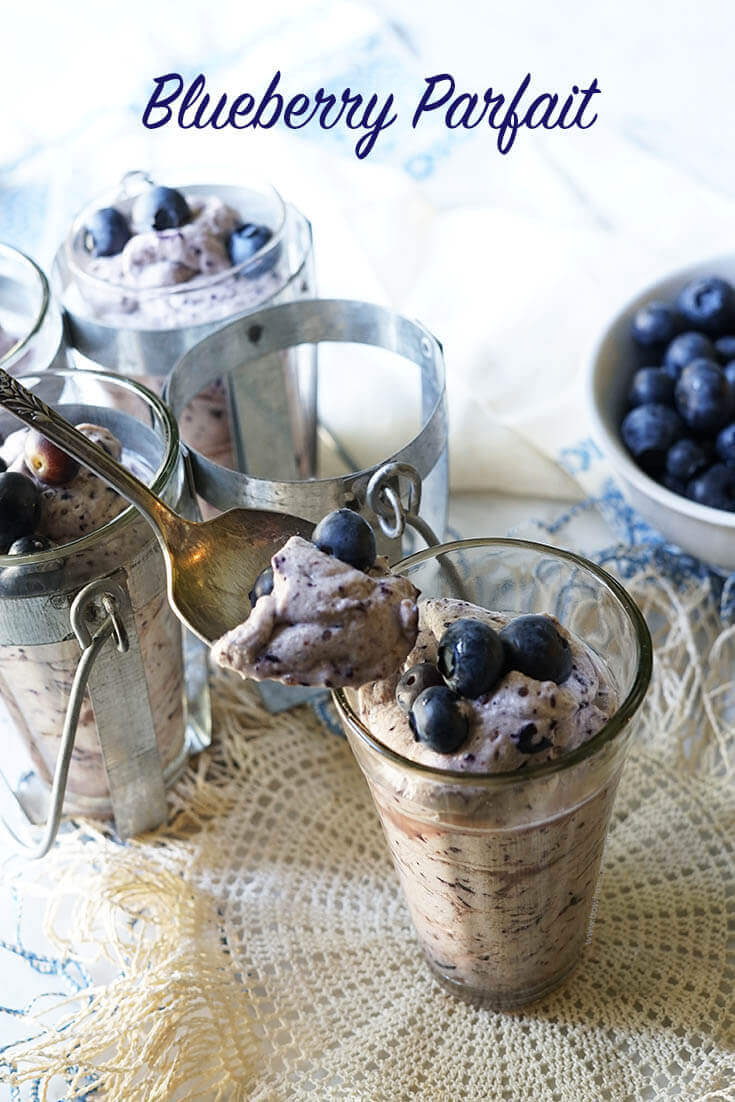 As easy as it is delicious and beautiful, Blueberry Parfait!