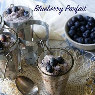 Easy Blueberry Parfait #SummerDessertWeek