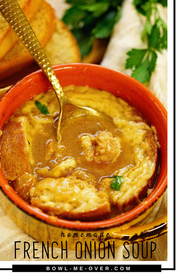 Homemade French Onion Soup that is easy to make, savory and delicious! Big crusty croutons, caramelized onions in beefy broth topped with gooey melted cheese. #homemadefrenchonionsoup #frenchonionsoup #bowlmeover #freakyfriday #soupisgoodfood #easyrecipe #homemadeisbest #